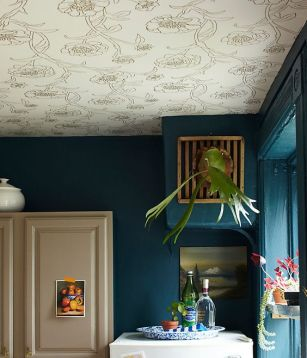 https://www.onekingslane.com/live-love-home/wallpapered-ceiling/