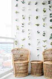 http://www.sarahbelleelizabeth.com/2017/08/diy-instagram-flower-wall.html